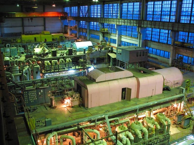 Turbina de vapor, maquinaria, cena da noite imagem de stock royalty free