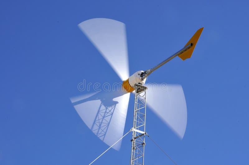 Turbina de vento na ação fotografia de stock