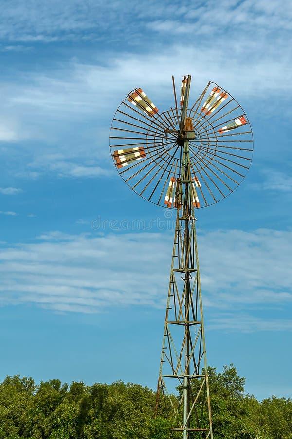 Turbina de vento velha imagem de stock