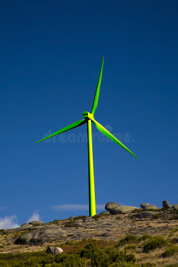 Turbina de vento verde fotografia de stock royalty free