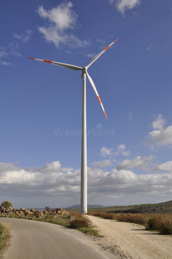 Turbina de viento en Italia del sur foto de archivo libre de regalías