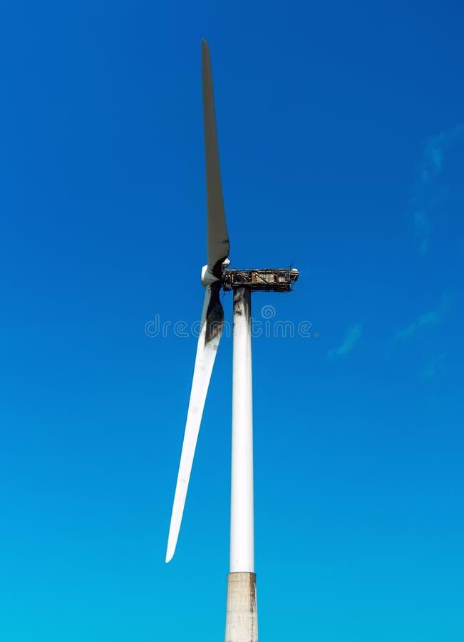 Turbina de viento quemada foto de archivo