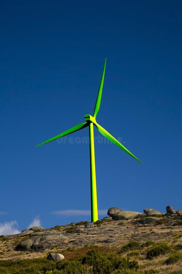 Turbina di vento verde fotografia stock libera da diritti
