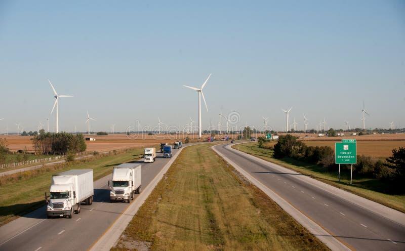 Turbina e estrada de vento imagens de stock