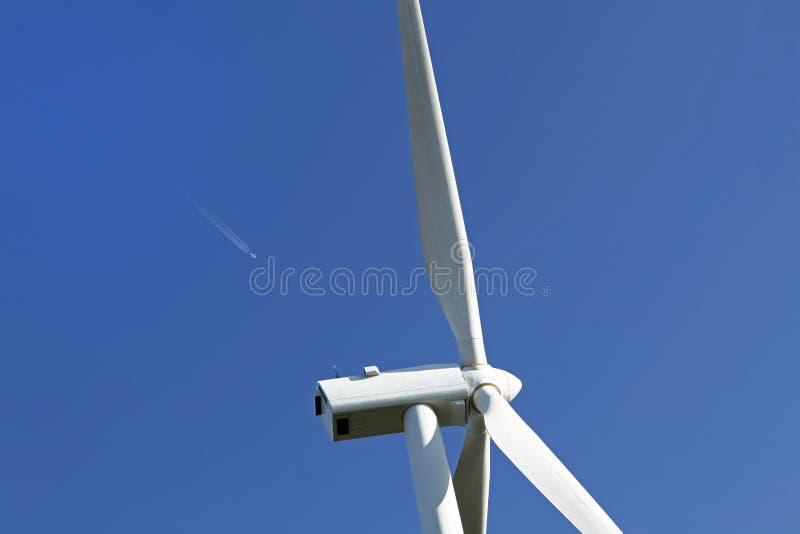 Download Turbina energetyczny wiatr zdjęcie stock. Obraz złożonej z śmigła - 13342390