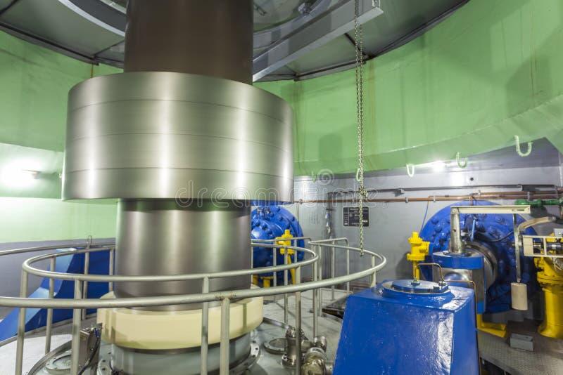 Turbina no central elétrica hidroelétrico imagens de stock royalty free