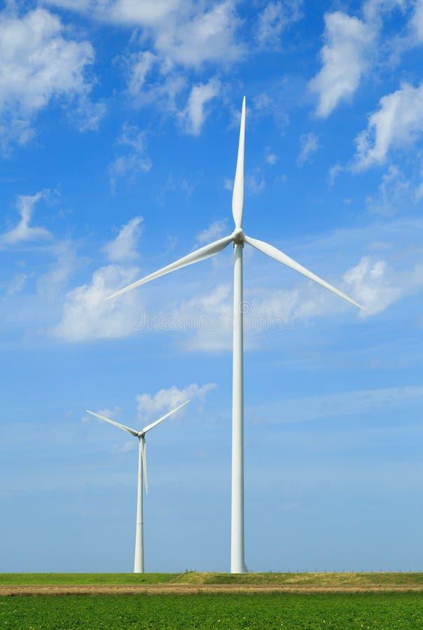 Download Turbina wiatr zdjęcie stock. Obraz złożonej z greenbacks - 57656498