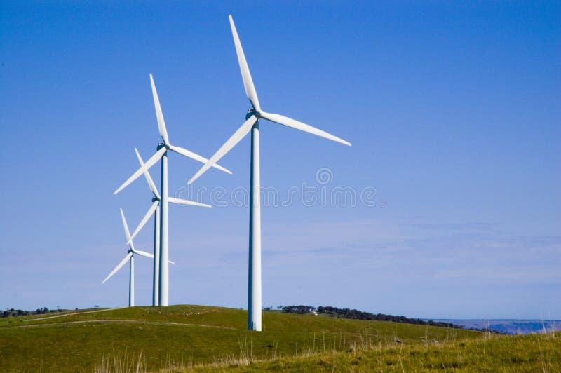 Turbinas de viento de la colina de las estrellas de mar foto de archivo libre de regalías