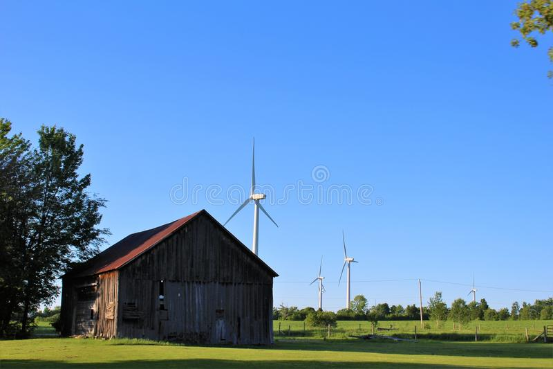 Turbinas de viento en Chateaugay, Franklin County, en el norte del estado Nueva York, Estados Unidos fotos de archivo libres de regalías