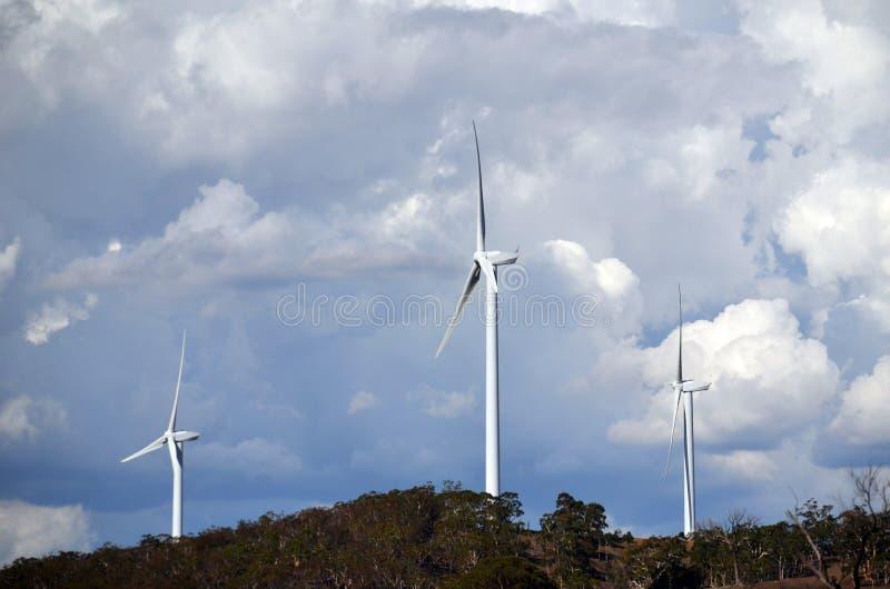 Turbinas de viento en parque eólico imágenes de archivo libres de regalías