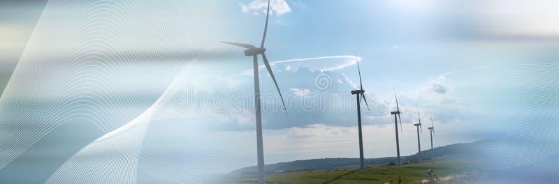 Turbinas de viento en un paisaje rural Bandera panor?mica imágenes de archivo libres de regalías