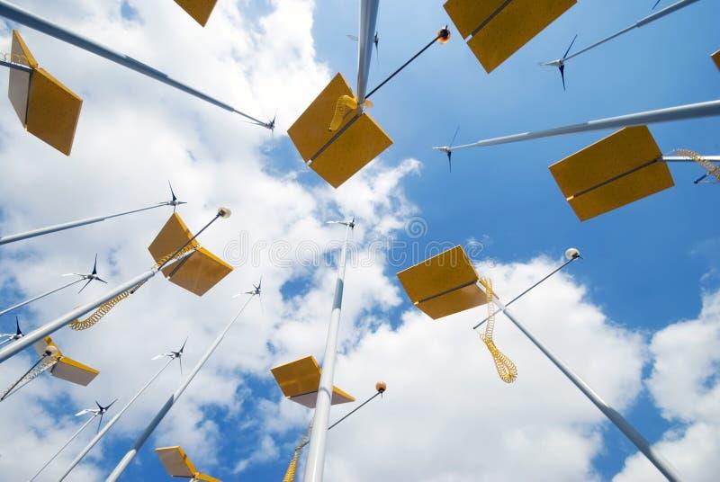 Turbinas de viento y los paneles solares imagen de archivo libre de regalías