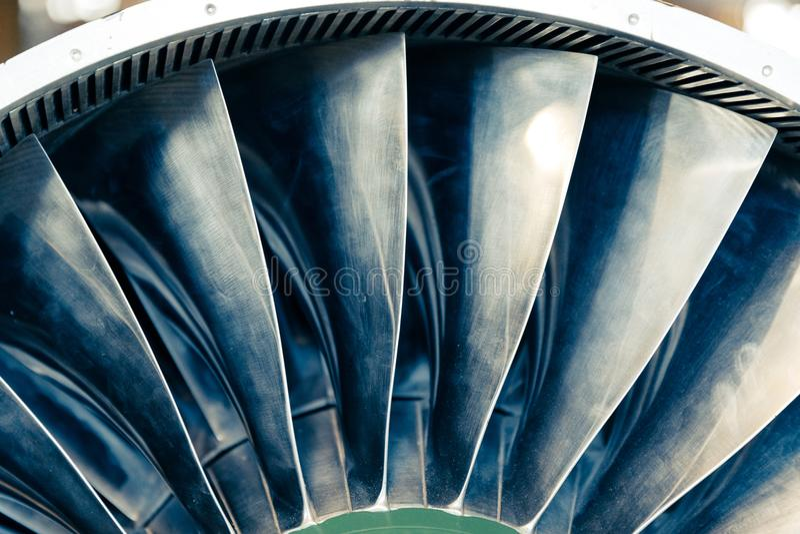 Turbinblad av turboladdarejetmotorn för nivån, flygplanbegrepp i flygbransch royaltyfria bilder