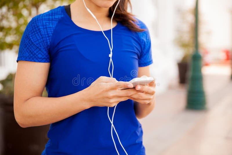 Turbine écoutant la musique images stock