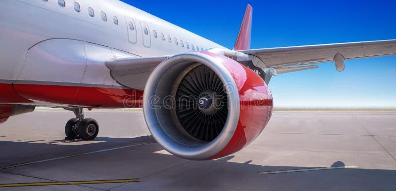 Turbine d'une avion de ligne photographie stock libre de droits