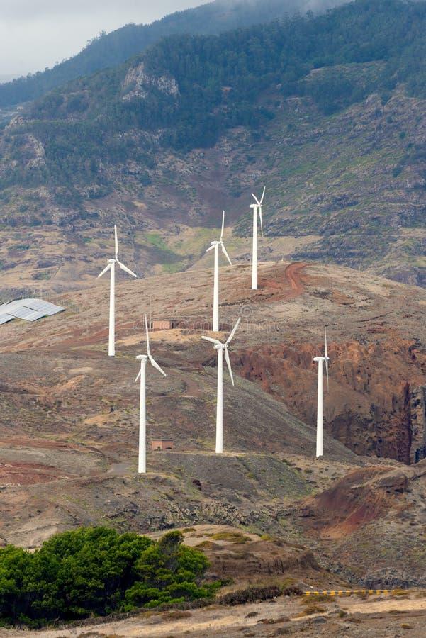 Turbines de vent chez Caniçal, Madère image stock