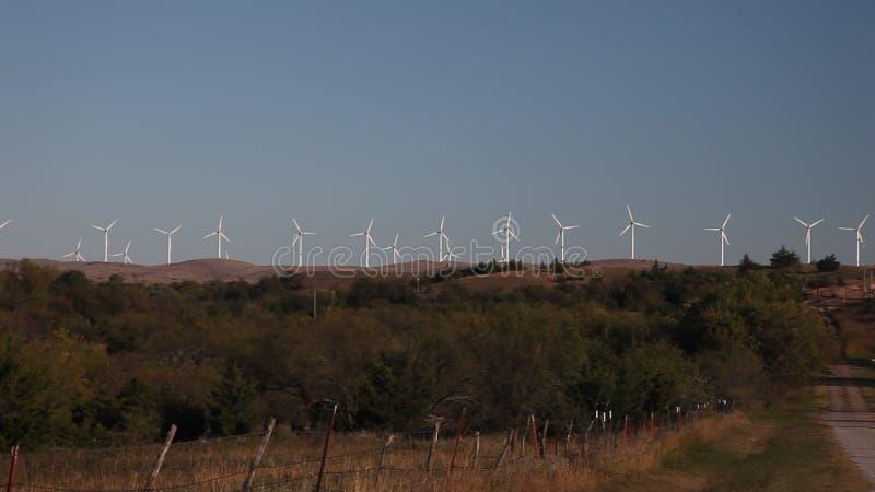 Turbines de vent dans l'Oklahoma banque de vidéos