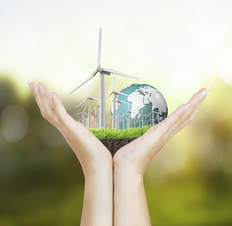Turbines de vent dans la main photo libre de droits