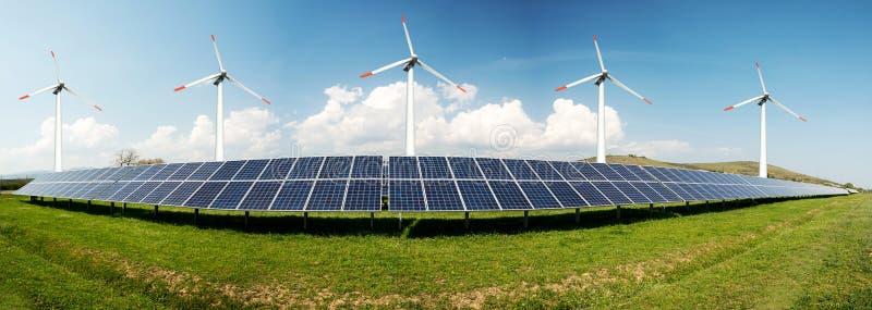 太阳电池板和风turbins照片拼贴画  免版税图库摄影