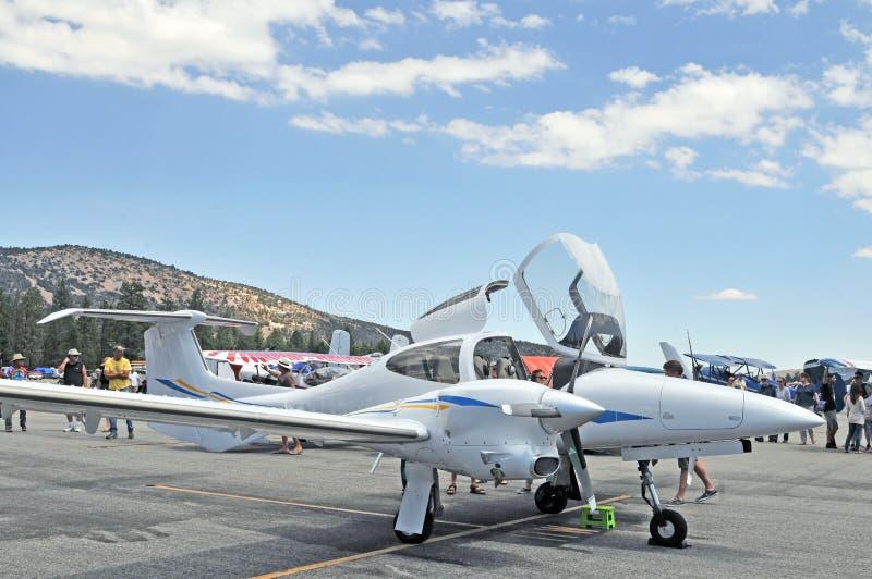 Turboladdare-stötta flygplan royaltyfri foto
