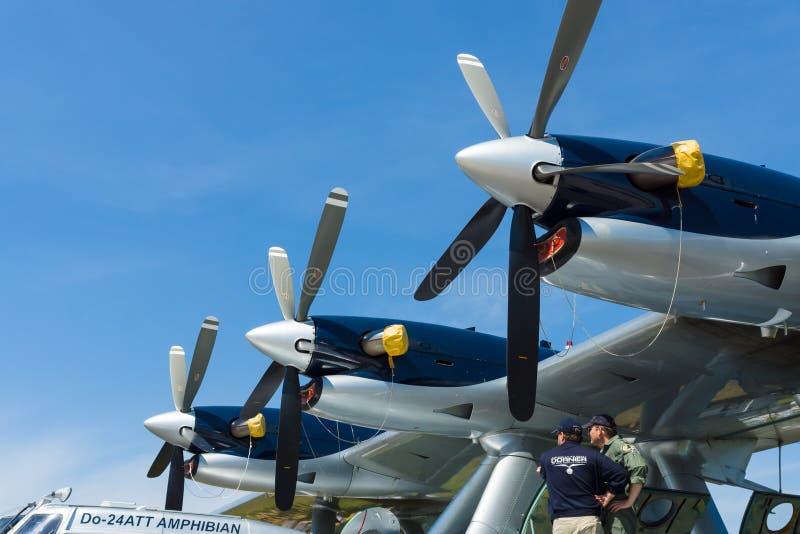 Turboprop Pratt & Whitney Canada PT6A-45, close-up Het vliegen de Amphibian moderne replica van bootdornier Do 24ATT royalty-vrije stock foto's