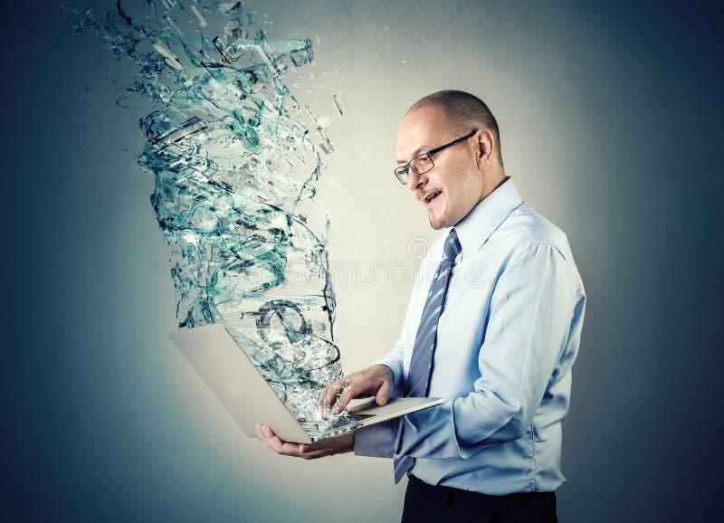 Turbulenz des Wassers lizenzfreie stockfotografie