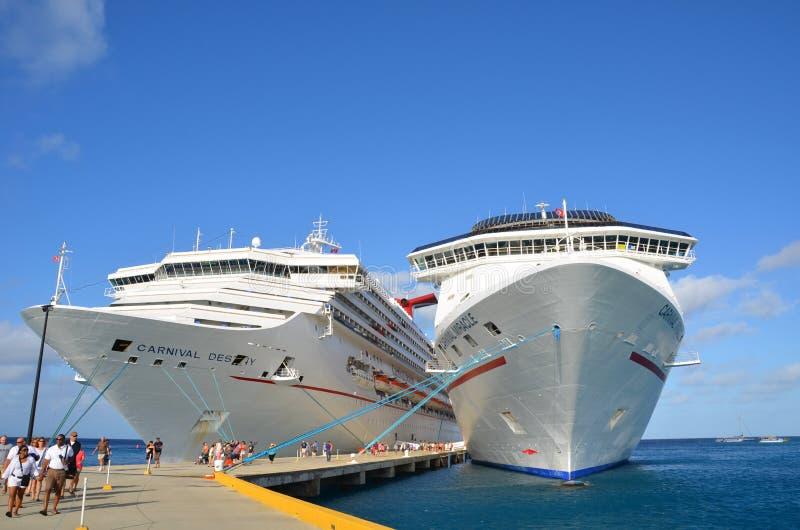 Turc grand de port de bateau de croisière photographie stock