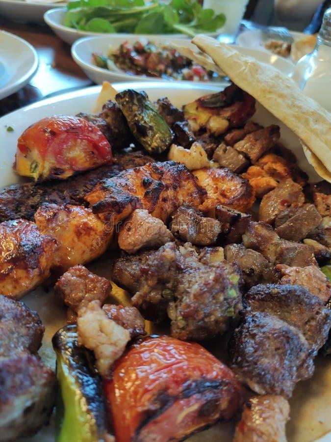 Turco Adana - no espeto de Urfa Kofta, cozinhado foto de stock