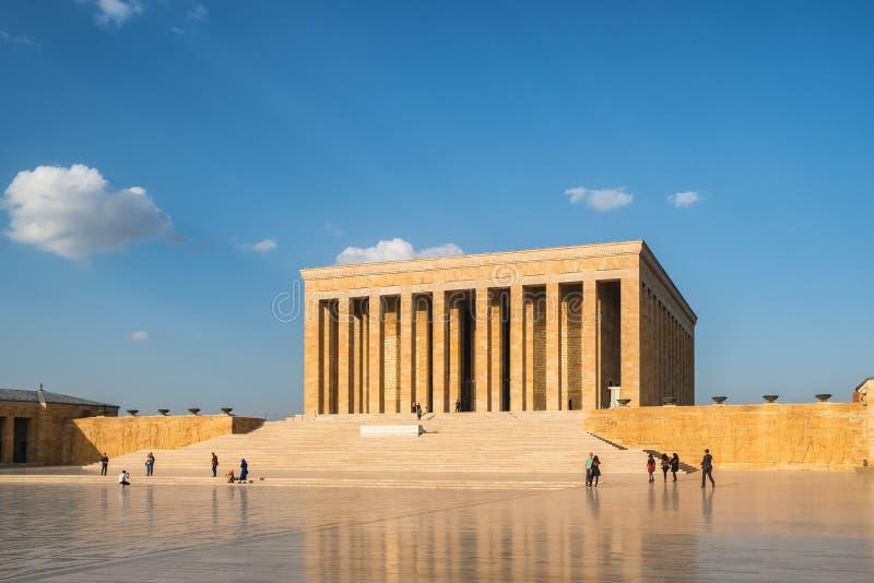 Tureccy ludzie odwiedza Ataturk mauzoleum, Anitkabir w Ankara zdjęcie royalty free