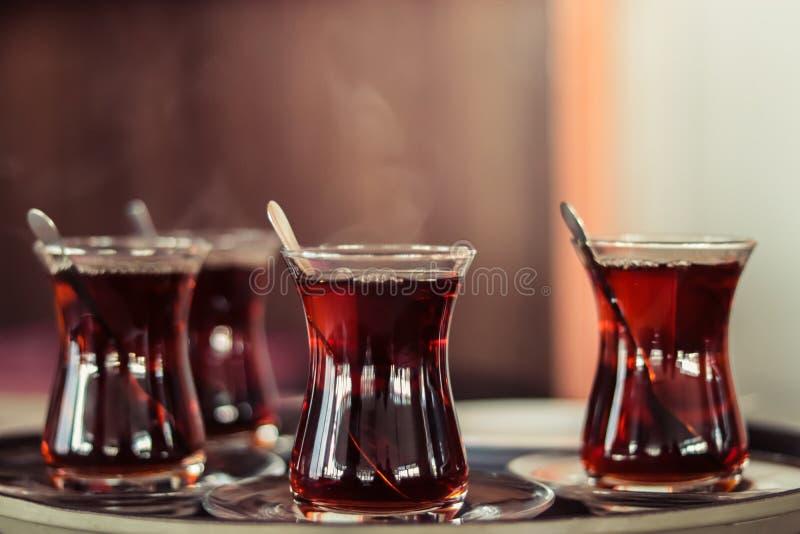 Turecka herbata na tacy fotografia stock