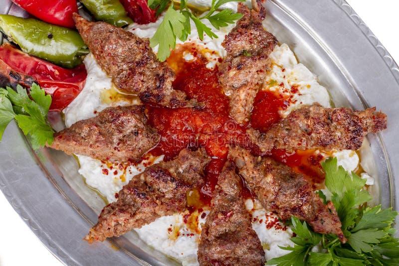 Turecki i Arabski Karmowy Kebab z jogurtem zdjęcie stock