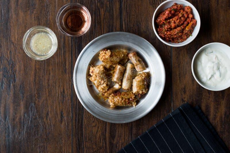 Turecki Karmowy Minced mięso Mumbar Dolma i Rice Faszerująca Barania kiszka obrazy royalty free