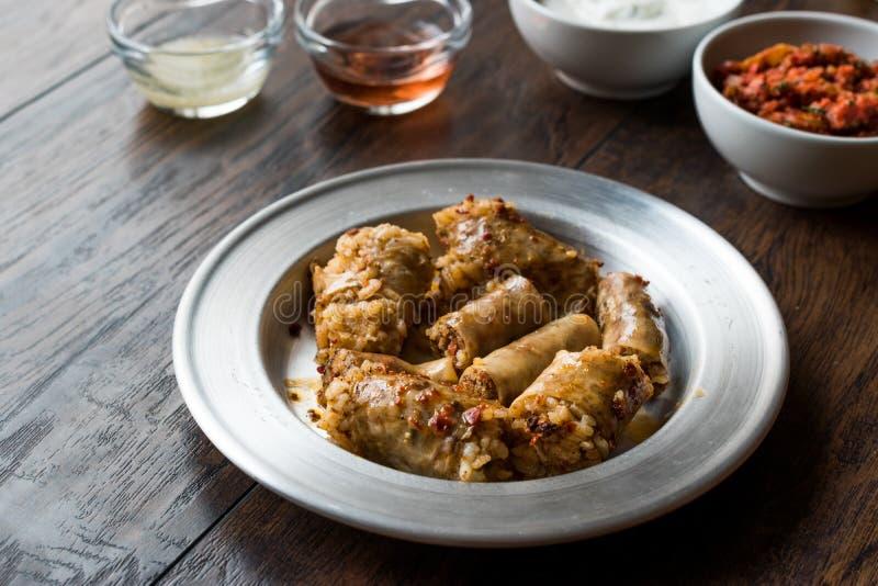 Turecki Karmowy Minced mięso Mumbar Dolma i Rice Faszerująca Barania kiszka obraz stock