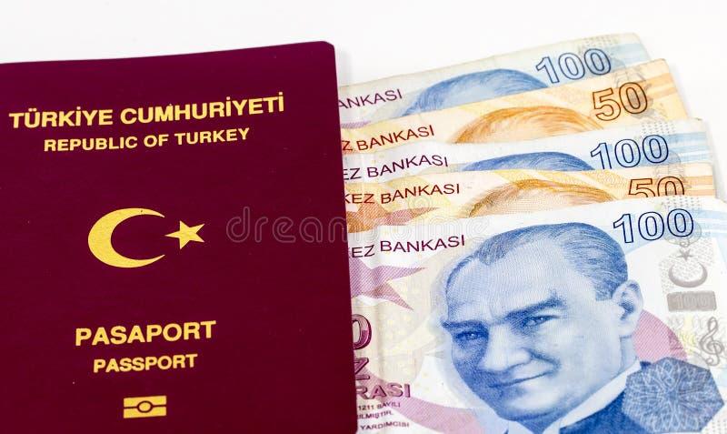 Turecki paszport i banknoty obrazy stock