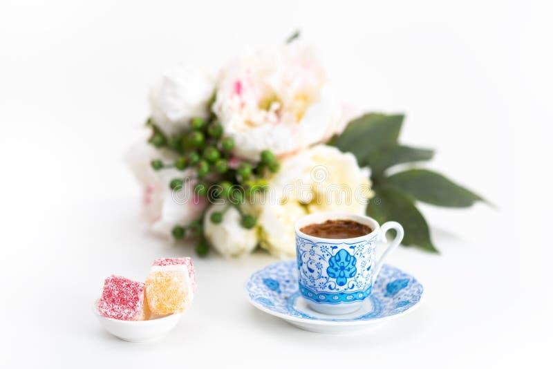 Tureckiej kawy i wyśmienicie cukierku turecki zachwyt zdjęcia stock