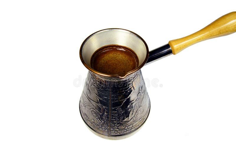 Tureckiej kawy piwowarstwa garnek zdjęcie royalty free