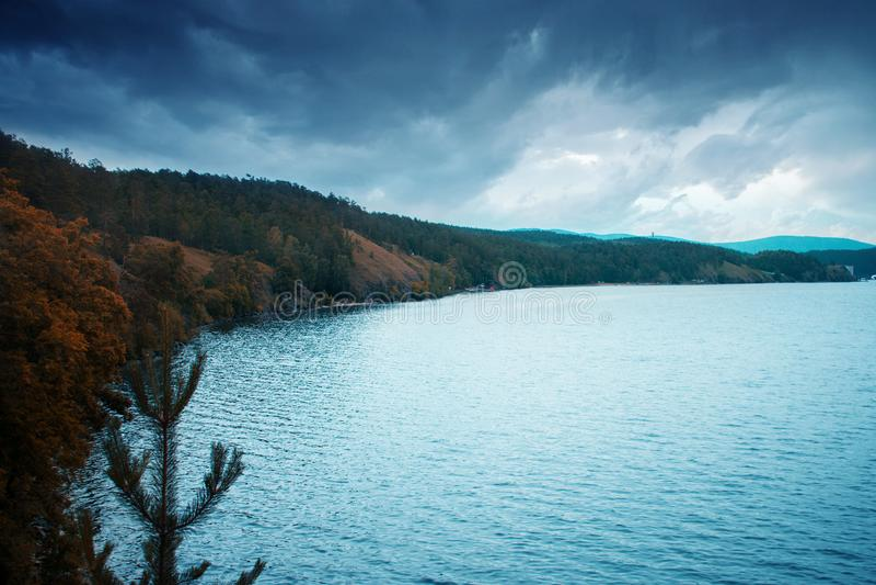 Turgoyak湖美丽的景色在乌拉尔在俄罗斯 库存照片