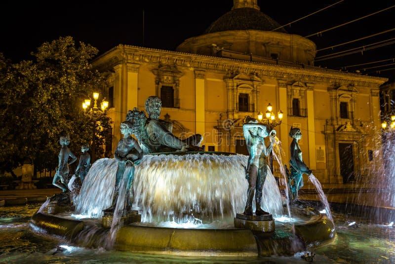 Turia Fountain en el cuadrado de la Virgen St Mary, Valencia, España fotografía de archivo