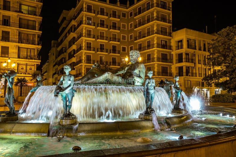 Turia Fountain en el cuadrado de la Virgen St Mary, Valencia, Espa?a fotografía de archivo