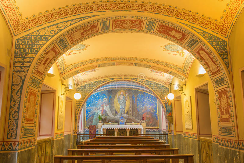 Turijn - de kleine kapel Capella Pinardi - de eerste kapel van Don Bosco de stichter van Salesians stock fotografie