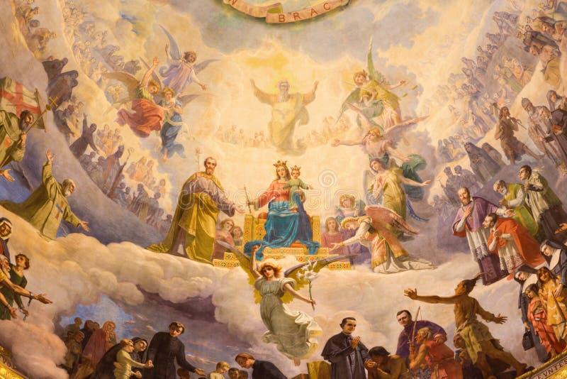 TURIJN, ITALIË - MAART 15, 2017: Het detail van fresko Mary Help van Christenen in koepel van kerkbasiliek Maria Ausiliatrice royalty-vrije stock afbeeldingen