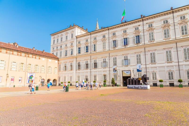 Turijn, Piemonte, Italië, 19 Augustus 2017 Voorgevel van Royal Palace royalty-vrije stock afbeeldingen