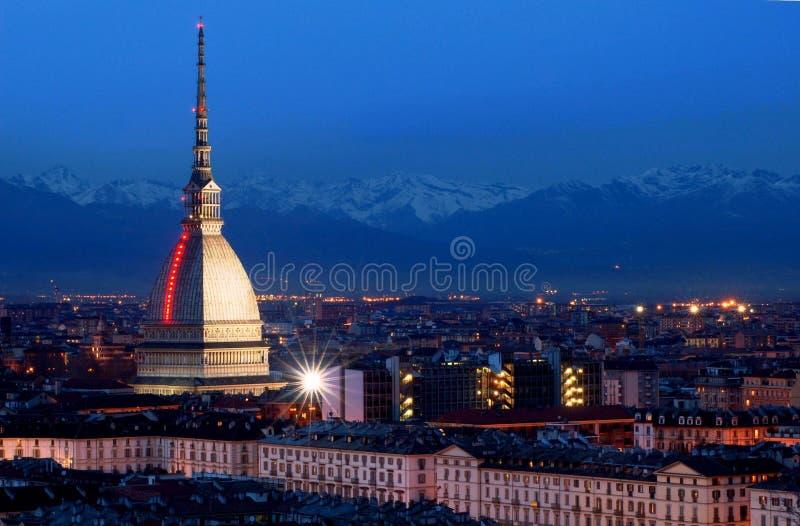 Turin em a noite fotografia de stock