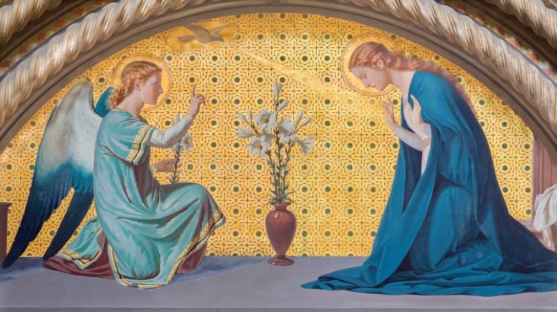 TURIN, ITÁLIA - 15 DE MARÇO DE 2017: O fresco do aviso na igreja Chiesa di San Dalmazzo por Luigi Guglielmino foto de stock royalty free