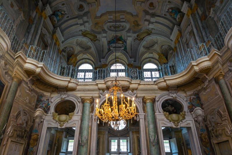 Turin, Italien - 4. Februar 2018: das Königinsitz-Landhaus della Regina, Innenabschluß oben, in Turin, Italien Torino, Italien stockbild