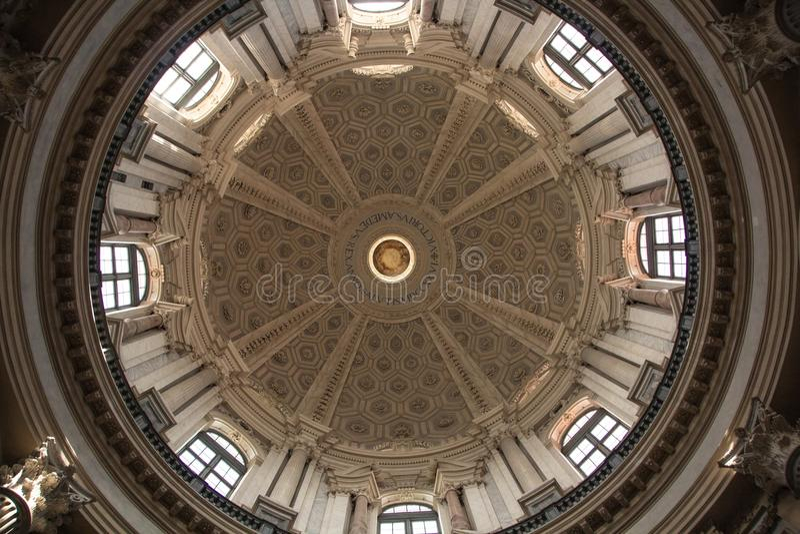 Turin Italien - September 09, 2017: Inre av den Basilika di Superga kyrkan arkivbild