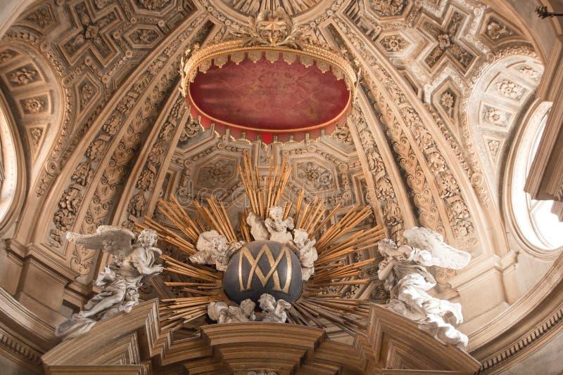Turin Italien - September 09, 2017: Inre av den Basilika di Superga kyrkan Den barocka Basilika di Superga kyrkan på Turin royaltyfri bild