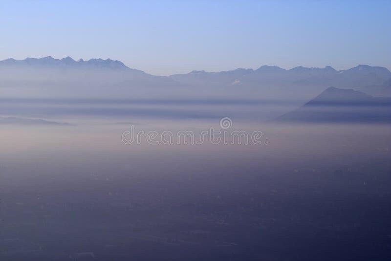 Turin, Nachmittagssmog lizenzfreie stockbilder
