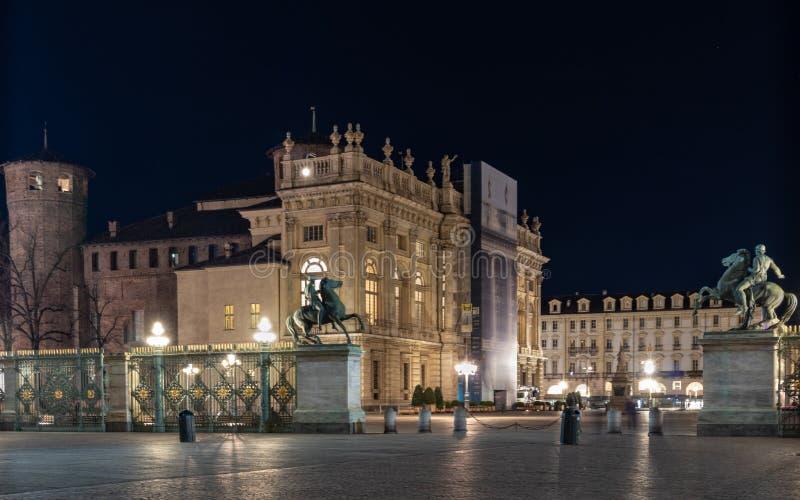 Turin piedmont, Italien vid natt arkivbilder