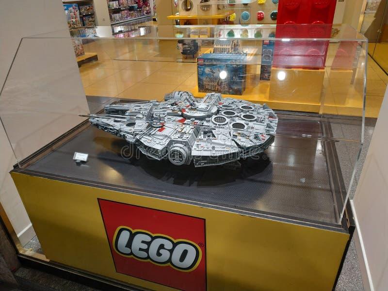 Turin, Piedmont, Italy Em novembro de 2018 A loja de Lego foto de stock royalty free